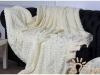 Белое покрывало на кровать